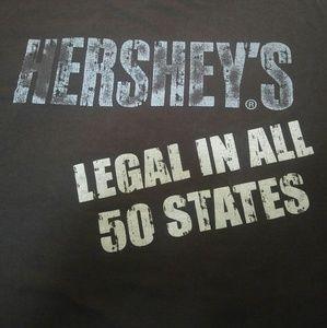 Lg brown Hershey's T-shirt